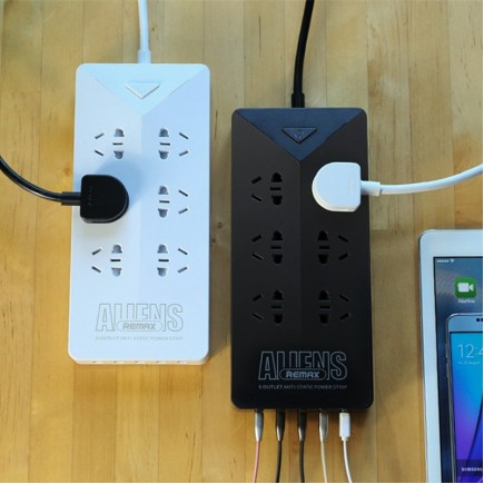 Remax RU-S4 Intelligent 4.2A Electrical Power Strip Socket With 6 Outlets Plug 5 USB Port - White